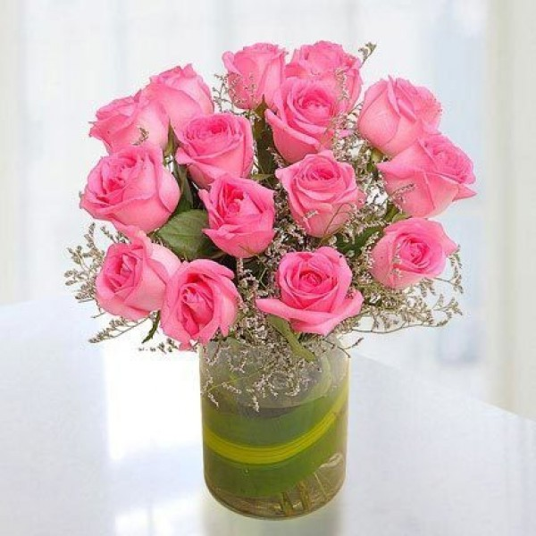 15 Pink Roses in Vose
