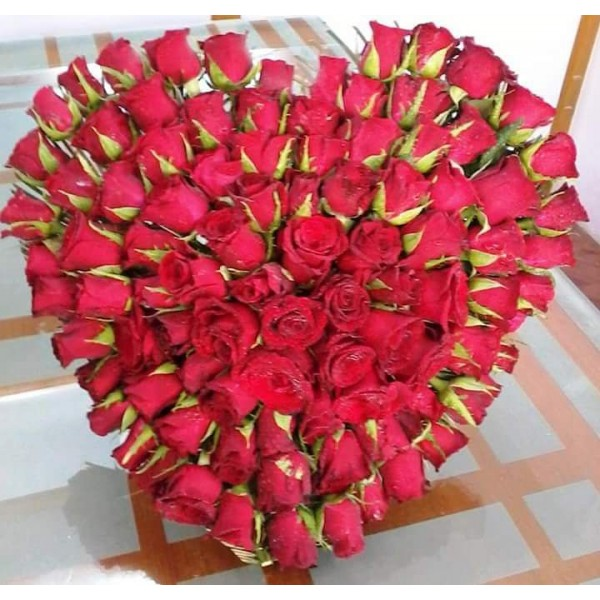 100 Red Roses in Heart Shape