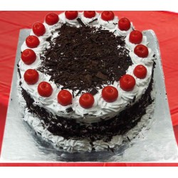 Round  Black Forest Pastry Eggless Cake